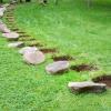 Natūralių akmenų tako įrengimas